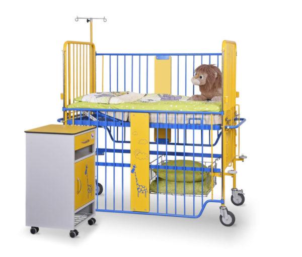 Łóżeczko szpitalne dziecięce D-01 z wyposażeniem i szafka SM-01