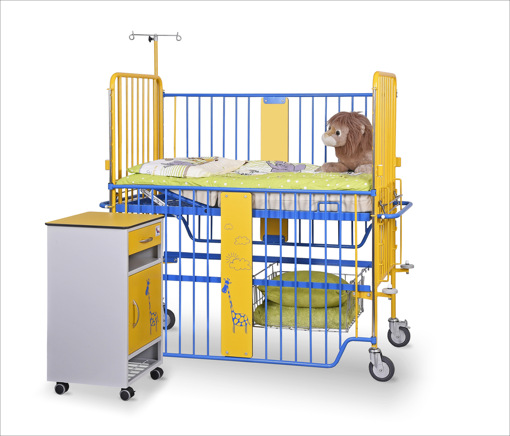 Łóżeczko szpitalne dzicięce D-01 i szafka SM-01